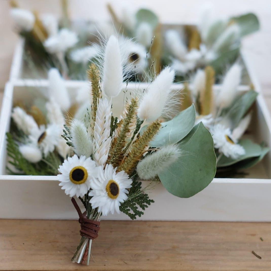 boutonnière fleurs séchées mariage