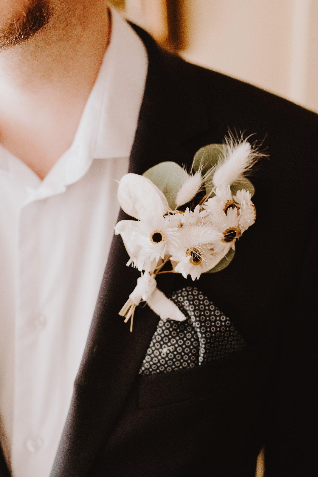 mariage hiver fleurs séchées boutonnière